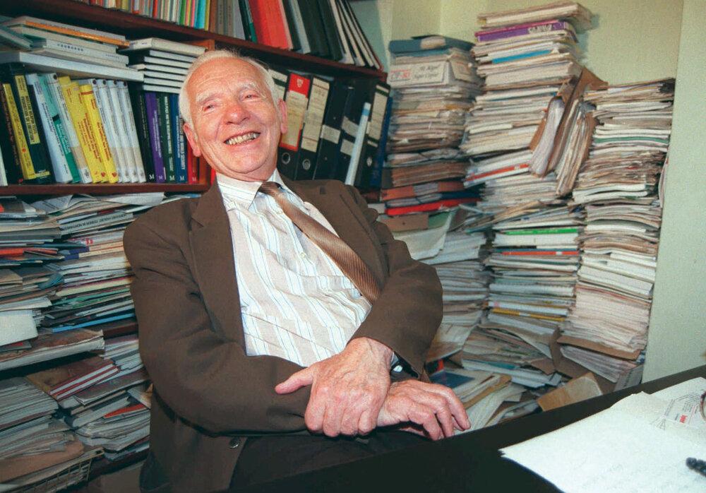 Joseph-Rotblat-1995.jpg
